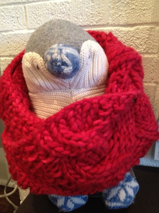 penguin_wearing_infinity_scarf_mommydo